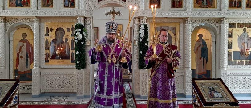 Архипастырь совершил праздничную Божественную литургию в Никольском кафедральном соборе г.Ардатова