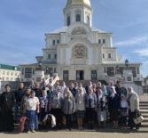 Паломники Ардатовской епархии посетили Свято-Троицкий Серафимо-Дивеевский женский монастырь