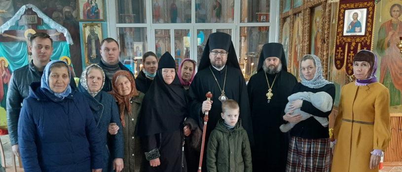 Архипастырь совершил Божественную литургию в Казанском приходе с.Пиксяси Ардатовского района