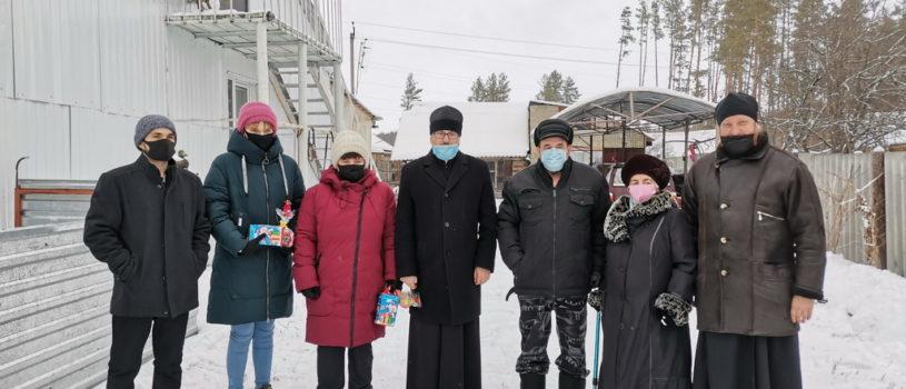 Архипастырь посетил многодетные семьи и семьи с детьми инвалидами Большеберезниковского района
