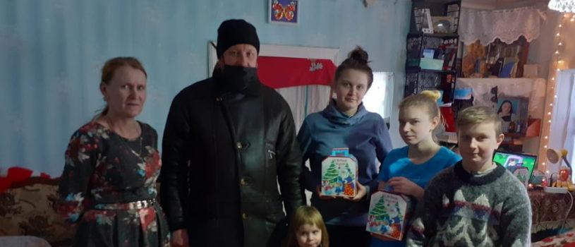 В Большеберезниковском районе продолжается рождественская благотворительная акция — подарки для многодетных семей и семей с детьми-инвалидами
