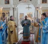 Божественная литургия в Никольском кафедральном соборе в день празднования Иверской иконы Божией Матери