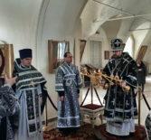 Архипастырь совершил Божественную литургию Преждеосвященных Даров в Никольском кафедральном соборе г.Ардатова