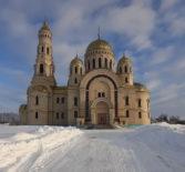 В кафедральном Андреевском соборе п.Атяшево прошла генеральная уборка перед Пасхой Христовой