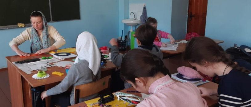 Воспитанники воскресной школы Никольского кафедрального собора готовятся к Пасхе Христовой
