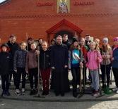 Учащиеся кадетского класса Ардатовской ООШ совместно с Архипастырем совершили уборку территории Никольского кафедрального собора