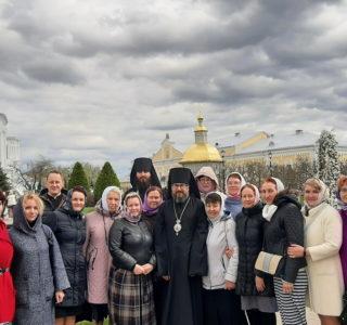 Архипастырь с паломниками Ардатовской епархии посетил Серафимо-Дивеевскую обитель