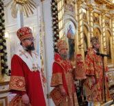 Архипастыри и духовенство Мордовской митрополии соборно помолились за Пасхальной Великой Вечерней в Феодоровском кафедральном соборе г.Саранска
