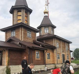 Архипастырь посетил храм Новомученников и Исповедников Российских г.Ардатова