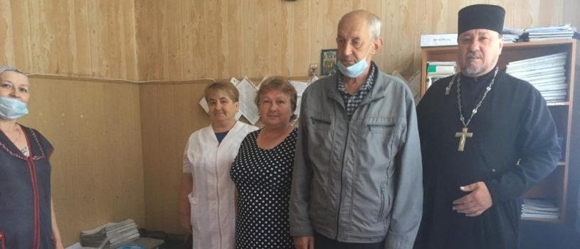 Социальный отдел Ардатовской епархии регулярно оказывает благотворительную помощь Козловскому интернату для престарелых
