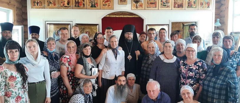 Архипастырь совершил Божественную литургию в храме Рождества Христова с.Симкино Большеберезниковского района