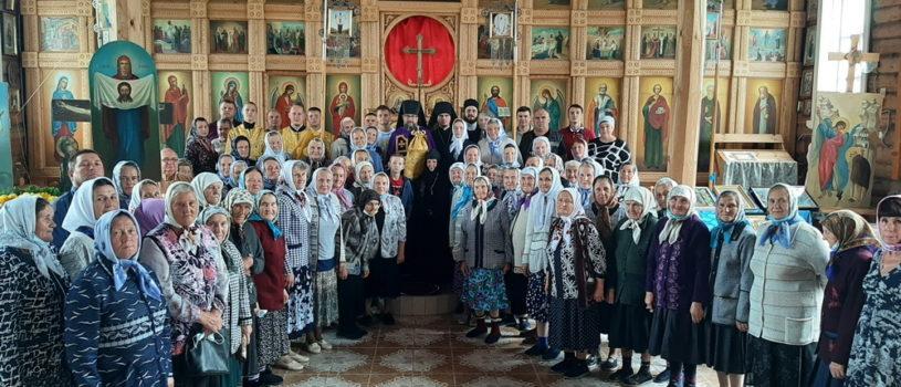 В Неделю 5-ю по Пятидесятнице Архипастырь совершил Божественную литургию в Михайловском приходе с.Урусово Ардатовского района