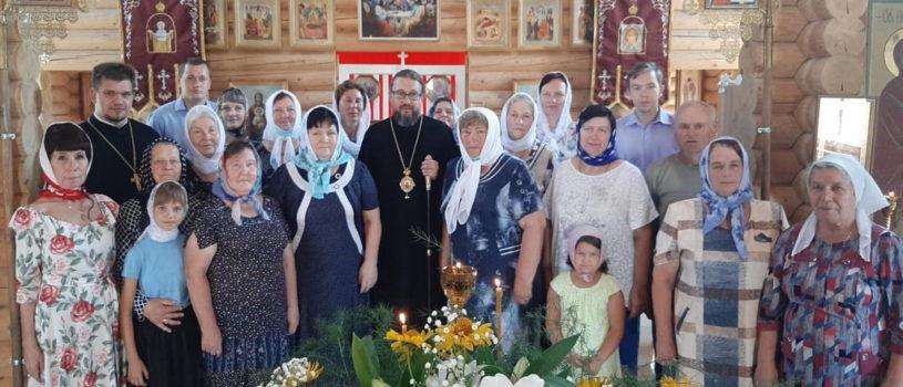 Архипастырь совершил память Царских Страстотерпцев в храме Новомучеников и Исповедников Российских г.Ардатова