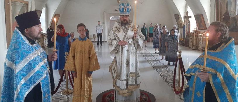 Всенощное бдение в Никольском кафедральном соборе накануне Казанской иконы Божией Матери