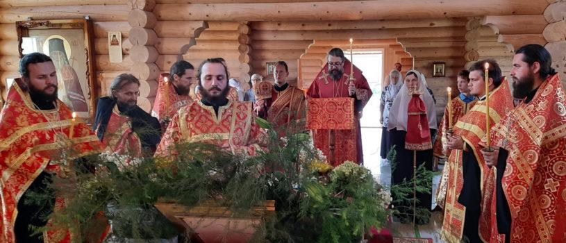 Всенощное бдение с чтением акафиста священномученику Вениамину в храме Новомучеников и Исповедников Российских г.Ардатова