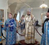 Всенощное бдение в Никольском кафедральном соборе накануне праздника Успения Богородицы