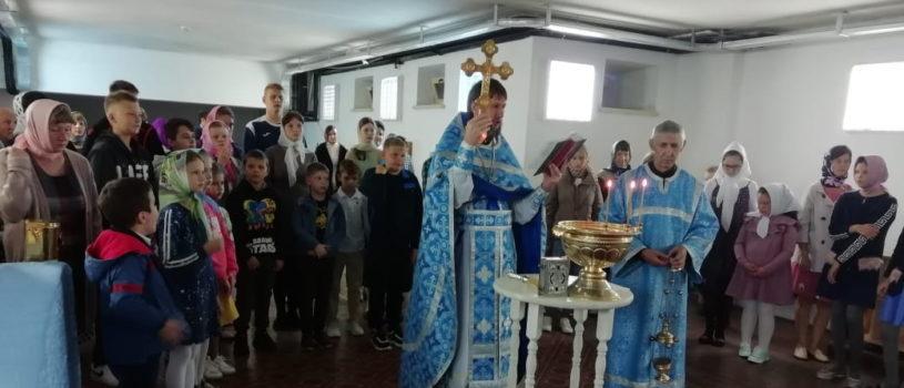 В Андреевском кафедральном соборе п.Атяшево прошел молебен перед новым учебным годом