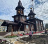 В храме Новомучеников и Исповедников Российских г.Ардатова начались работы по установке детской игровой площадки