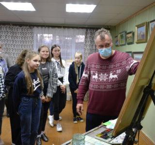 В Чамзинской художественной школе прошла выставка и мастер-класс художника Семена Кожина