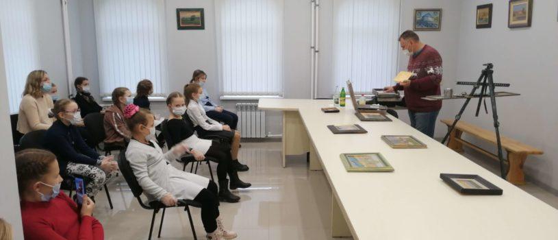 В епархиальном управлении Ардатовской епархии прошла выставка и мастер-класс знаменитого художника Семена Кожина
